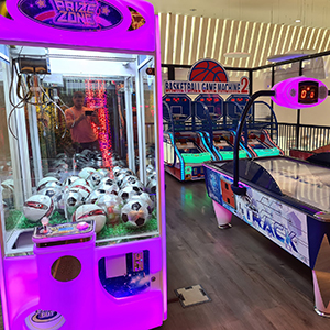 Why choose prize zone toy grabber claw machine to operate in shopping mall
