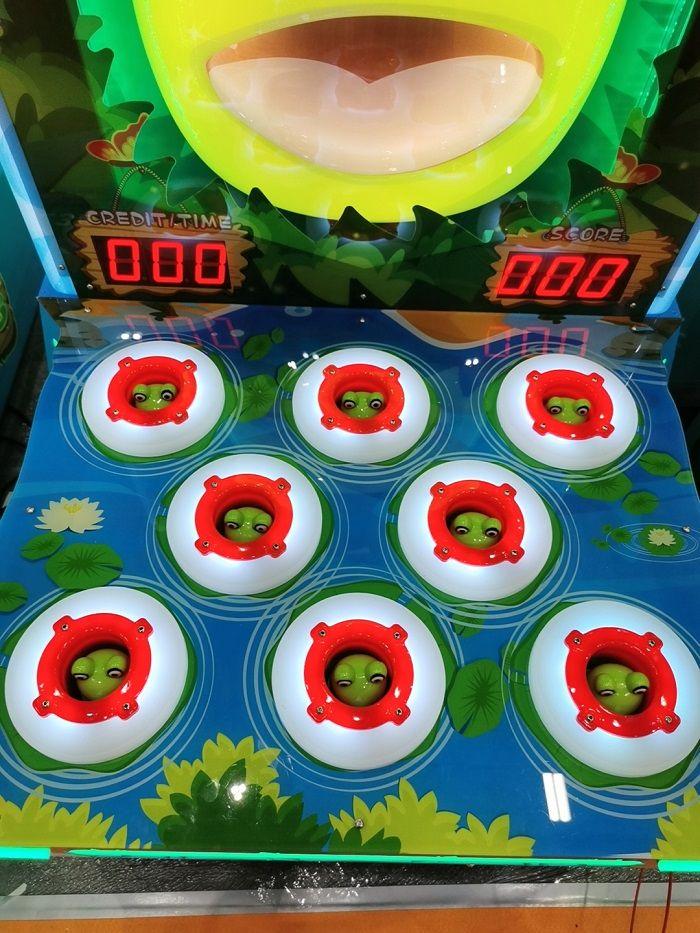 Crazy Frog Whac a Mole Arcade Game
